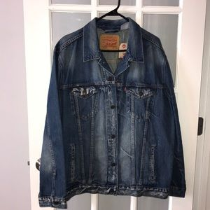 LEVI STRAUSS & CO distressed jean jacket size XXL